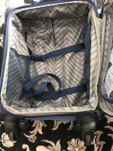 """TRAVELPRO 22"""" Carry-On Spinner Only 5.3 lb"""