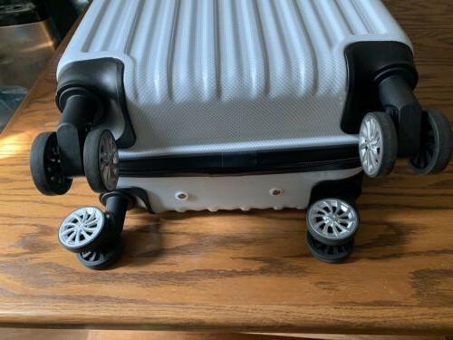 Luggage Expandable on white US