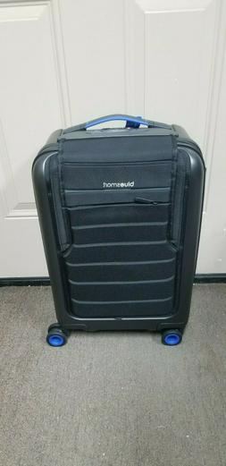 BlueSmart Luggage Carry-On Model NEW!!